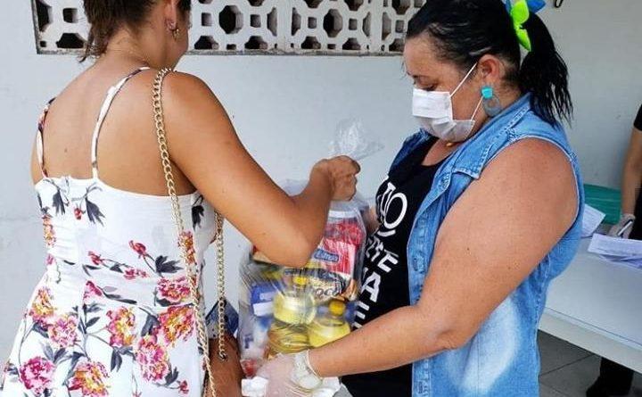 Prefeitura continua com a entrega de cestas básicas a feirantes e ambulantes de Ceará-Mirim