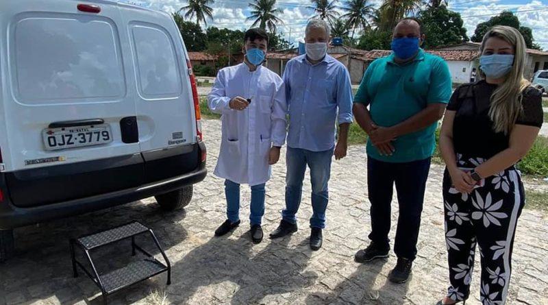 Prefeitura realiza entrega de ambulância para comunidade de Primeira Lagoa
