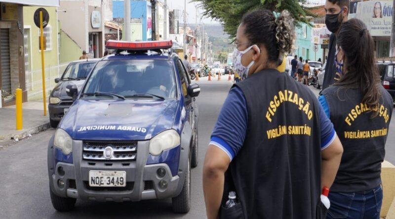 Vigilância Sanitária atua na Feira Livre e comércio local no combate ao Covid-19